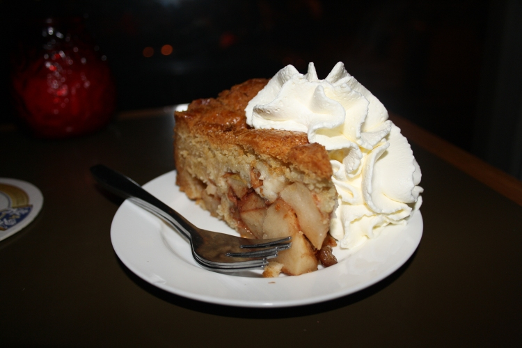 Winkel Amsterdam homemade apple pie