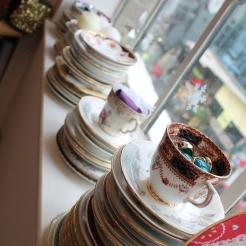 ceramic mugs cups saucers