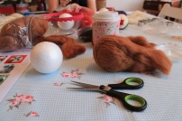 felted baubles how to