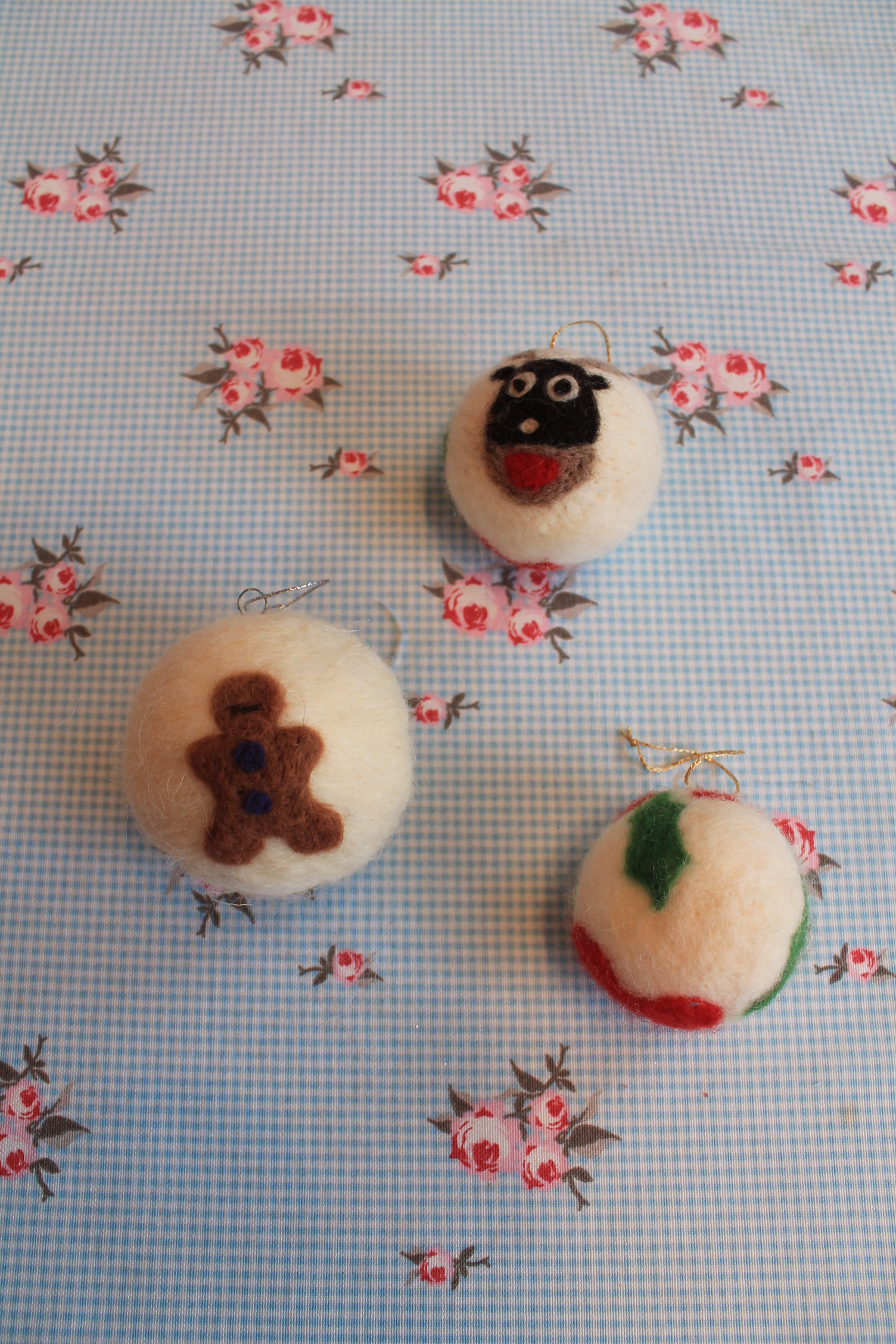 christmas felted baubles craft