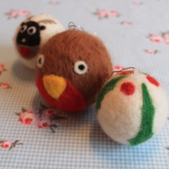 felted baubles christmas craft