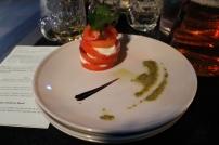 mozarella tomato pesto salad