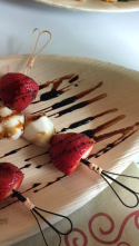 mozarella strawberry balsamic skewers