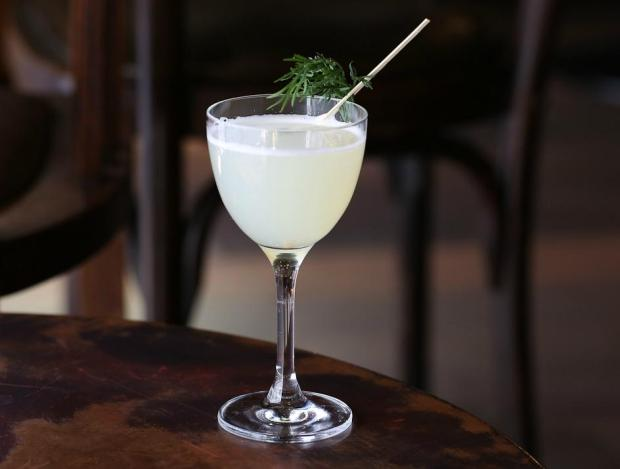 the-blind-pig-dill-cocktail-london